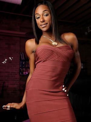 Amazing ebony transsexual goddess Natalia Coxxx posing