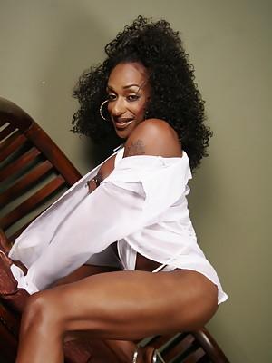 Horny ebony transsexual posing